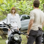 Jurassic World Bryce Dallas Howard Chris Pratt Mercedes Benz GLE