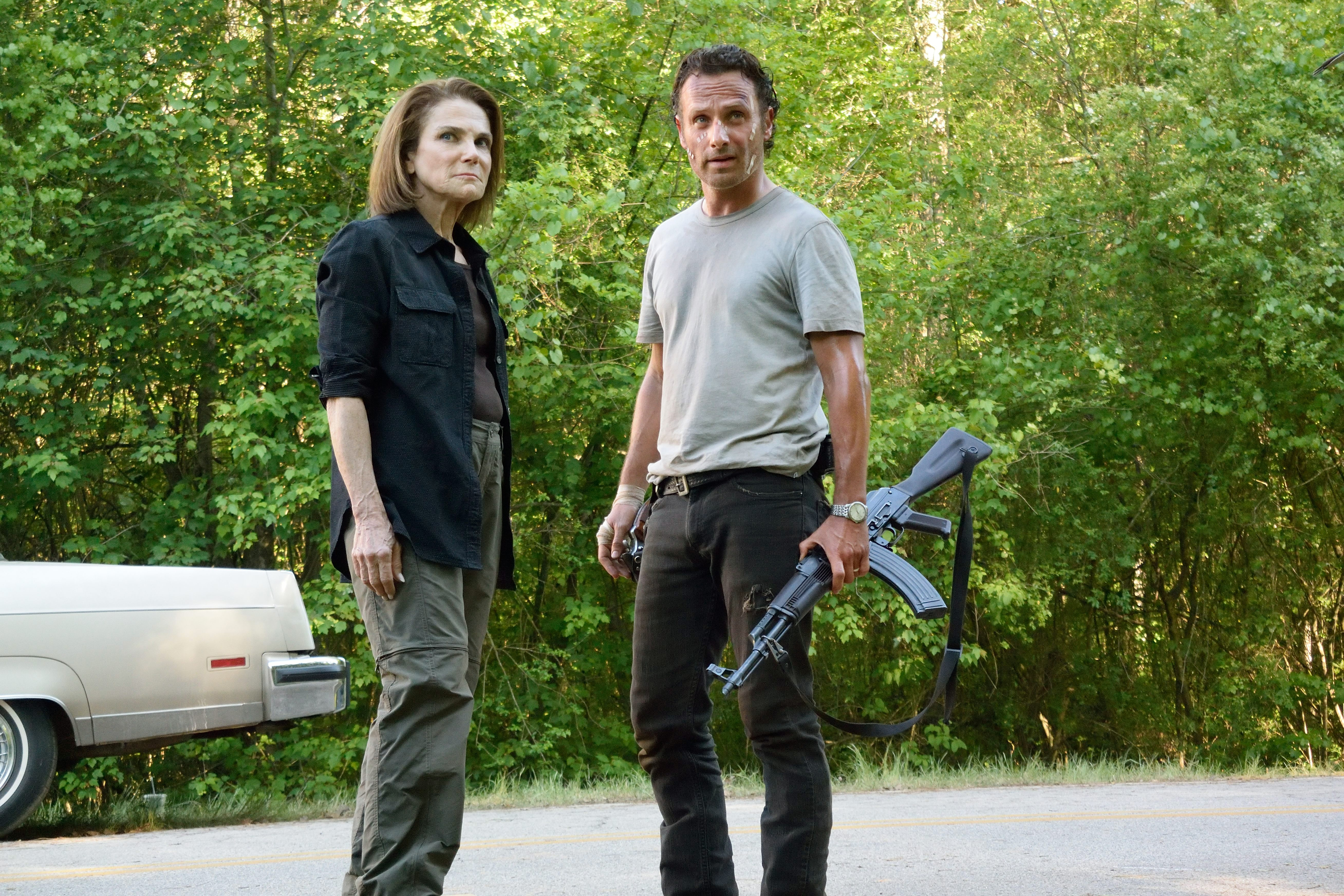 Tovah Feldshuh as Deanna Monroe and Andrew Lincoln as Rick Grimes - The Walking Dead