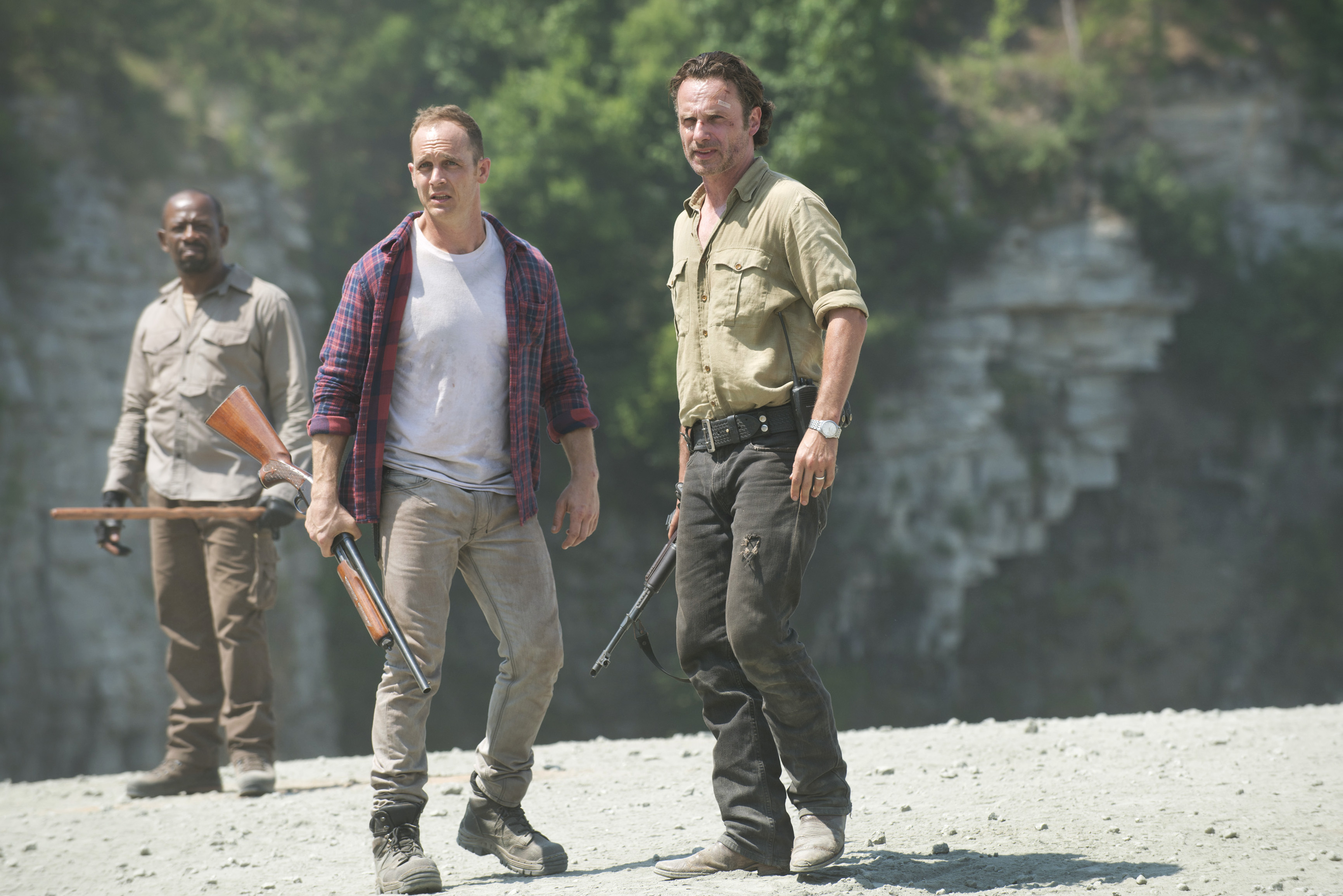 Lennie James as Morgan Jones, Ethan Embry as Carter and Andrew Lincoln as Rick Grimes - The Walking Dead