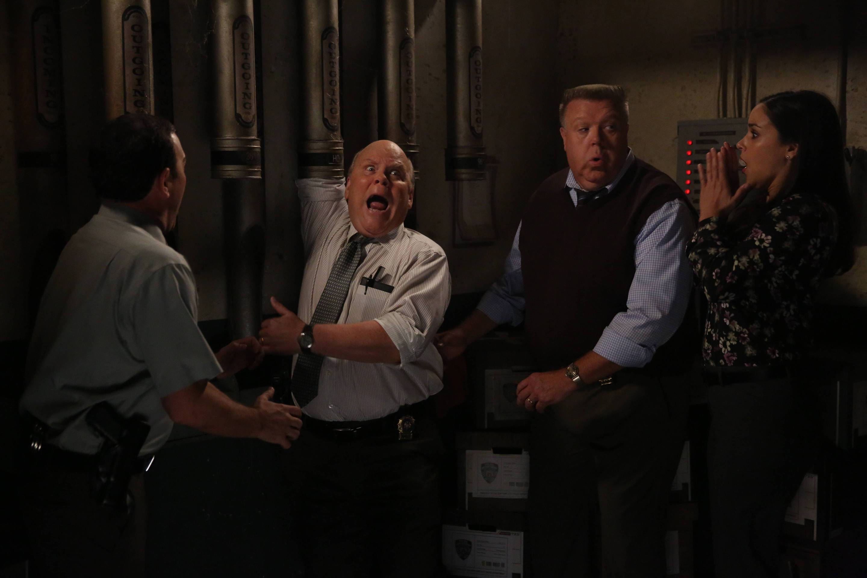 Brooklyn Nine-Nine 308-15