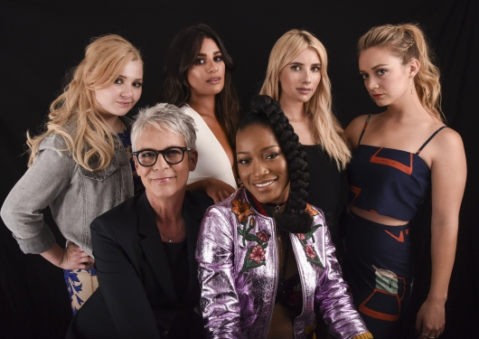 Sdcc 2016 Fox S Scream Queens Panel With Emma Roberts Cast
