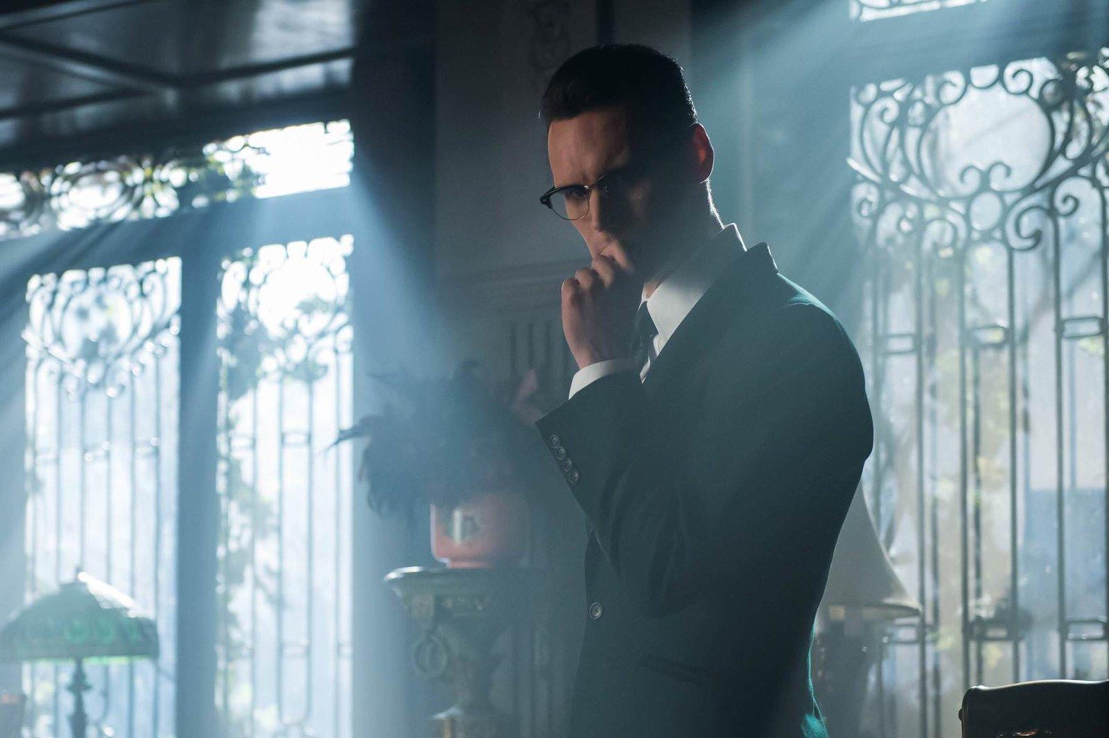 Gotham 308-02