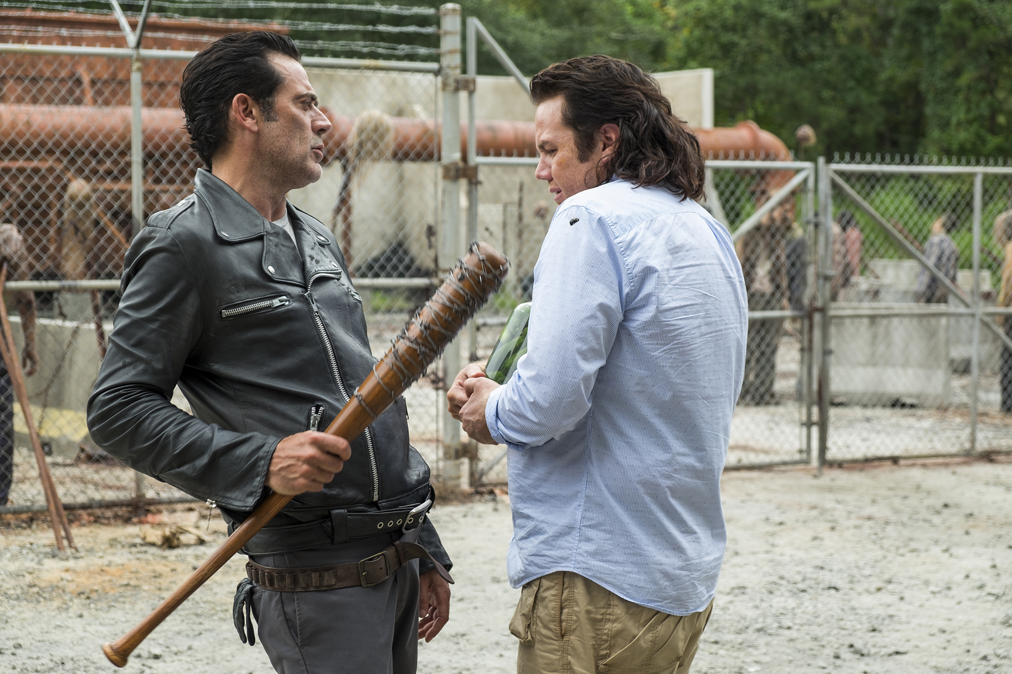 Jeffrey Dean Morgan as Negan, Josh McDermitt as Dr. Eugene Porter - The Walking Dead, Season 7, Episode 11