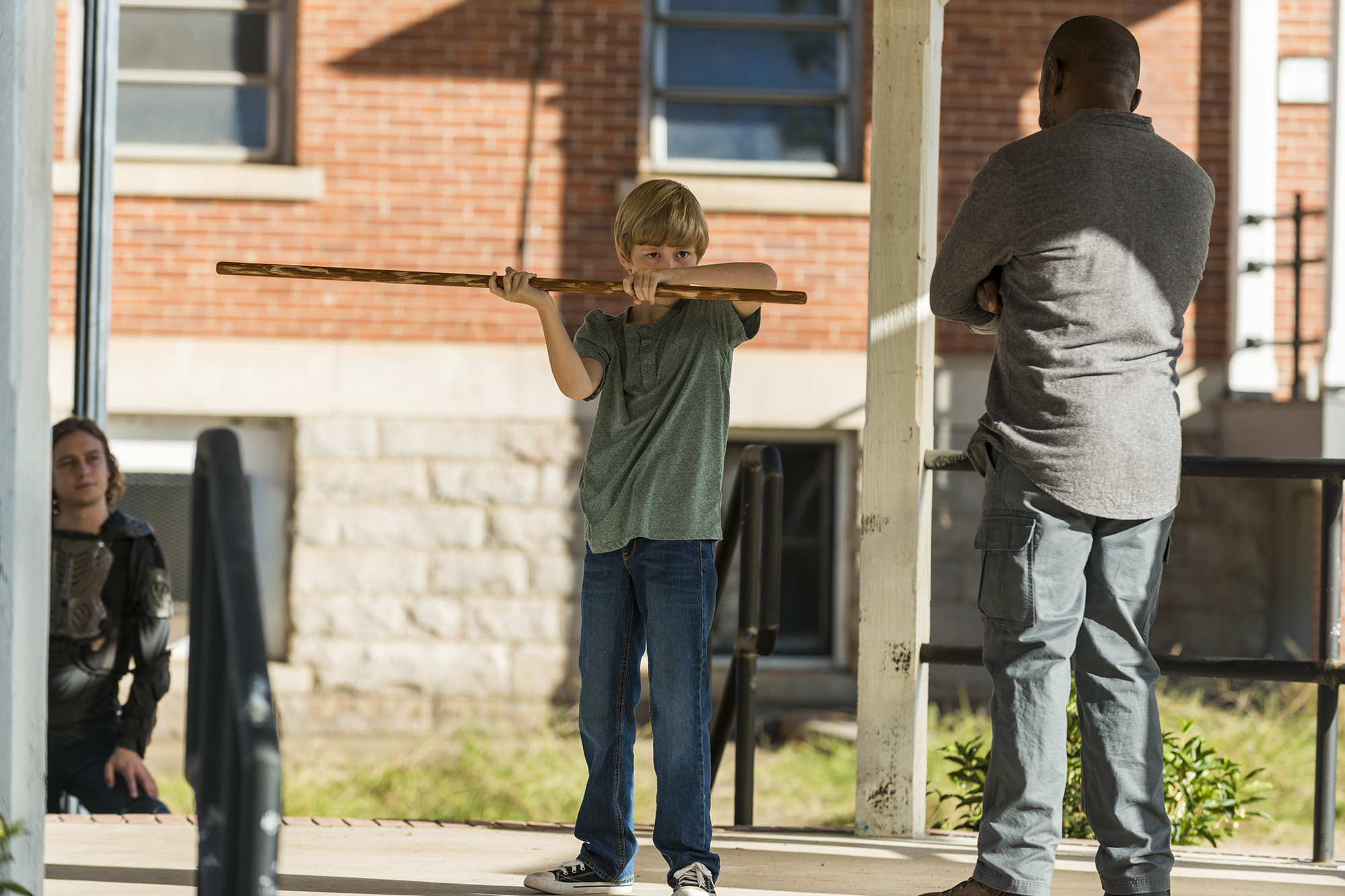 Lennie James as Morgan Jones, Macsen Lintz as Henry, Logan Miller as Benjamin - The Walking Dead, Season 7, Episode 13